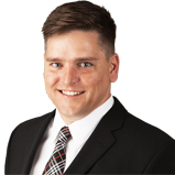 Dominique Théorêt Chartered Mortgage Real Estate Broker in Gatineau for Multi-Prêts
